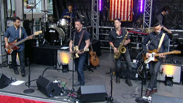 O.A.R. performs 'Two Hands Up'