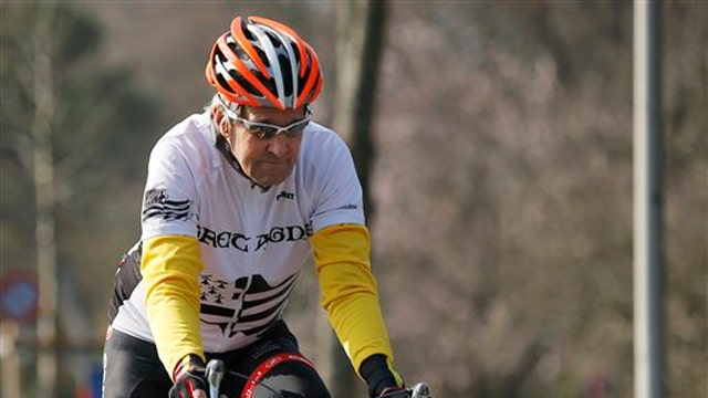 John Kerry returning home after breaking femur in bike crash