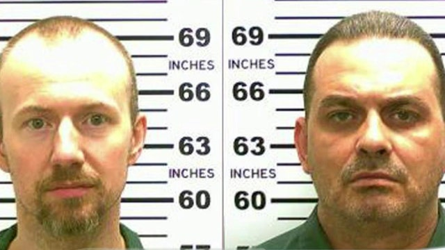 Manhunt in NY for 2 murderers who escaped prison