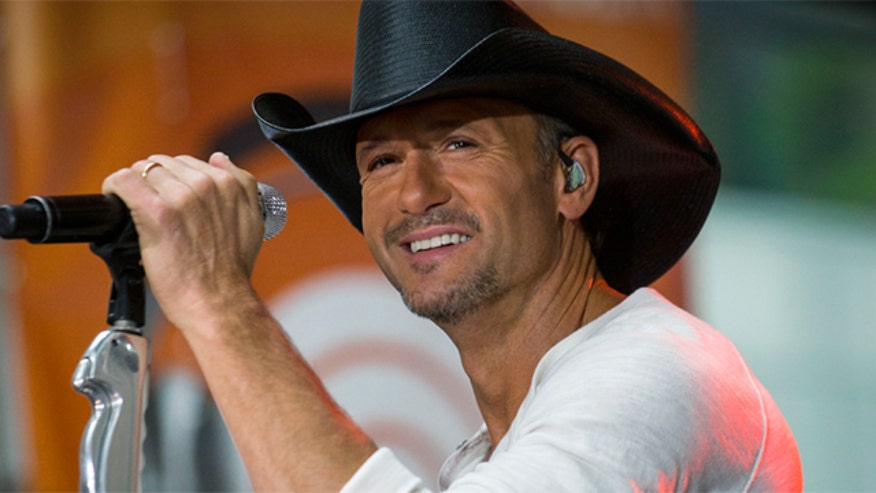 Tim McGraw giving away more homes