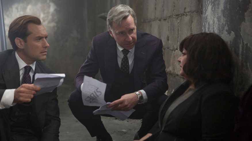 "Director Paul Feig steps into the FOXlight to talk about his new movie ""Spy"" and working with Melissa McCarthy."