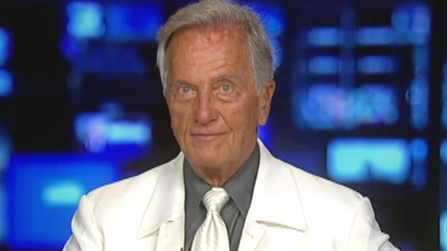 Legendary singer Pat Boone honored by The Heritage Foundation for his 60-year career, talks fame, tragedy and 2016 hopefuls