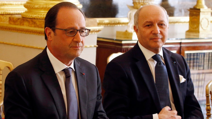 French president Hollande convenes top lawmakers over NSA revelations