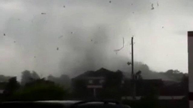 Tornado Rips Through Lee S Summit Missouri Latest News