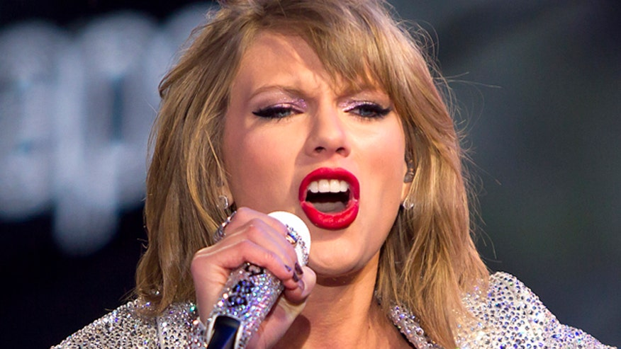 Taylor Swift has fastest-selling album of the decade