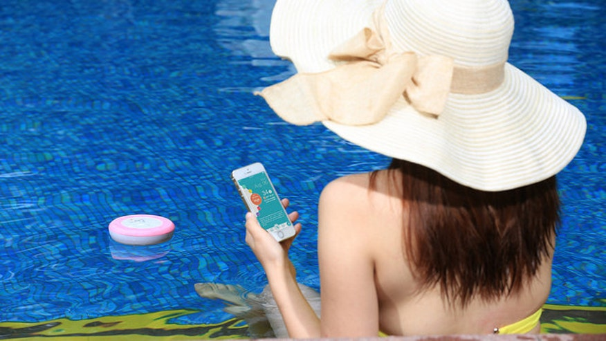 When the weather's warm and sunny, most Americans head outside- but enjoying the great outdoors isn't all fun and games. Lifestyle and wellness expert Bahar Takhtehchian talks about some of this summer's hottest gadgets to keep you safe and healthy
