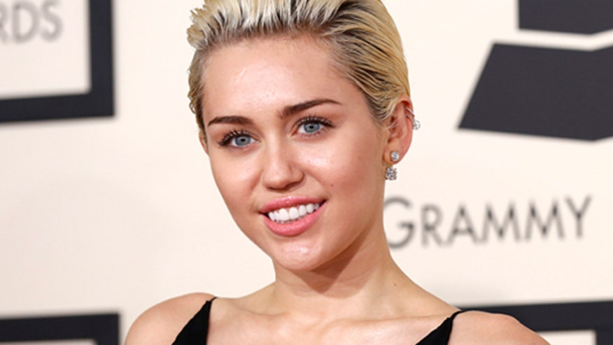 Miley Cyrus announces new gig at MTV VMAs
