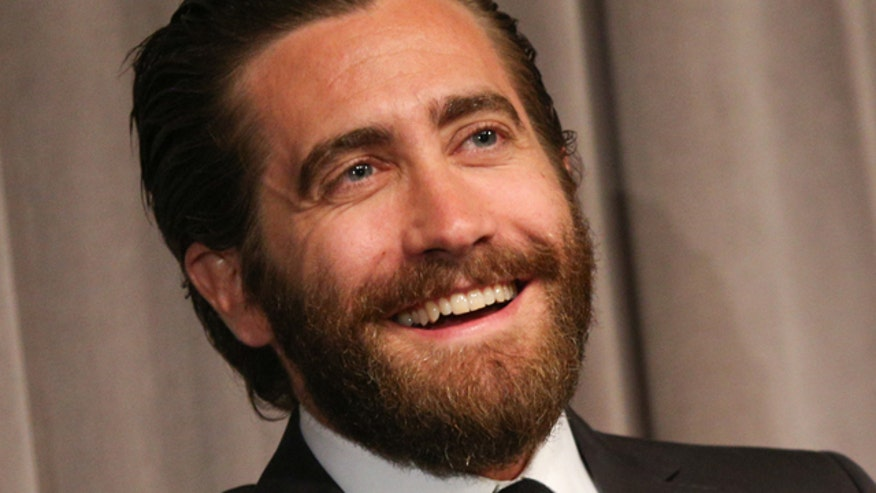 Jake Gyllenhaal not fazed by Taylor Swift song during GMA sit-down
