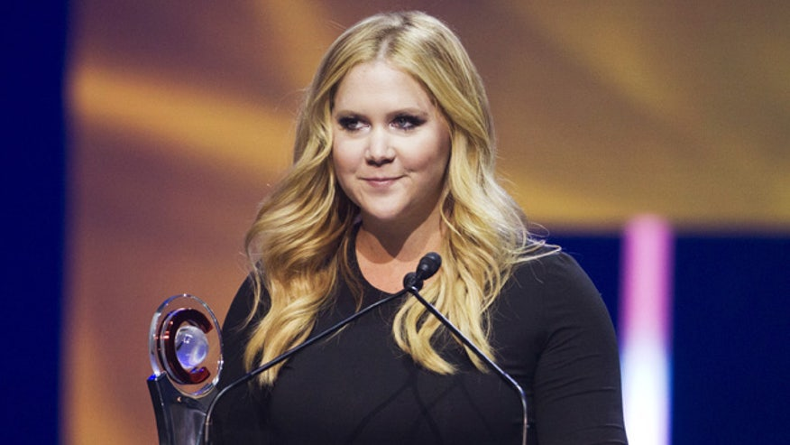 Comedian Amy Schumer vows to tackle gun violence