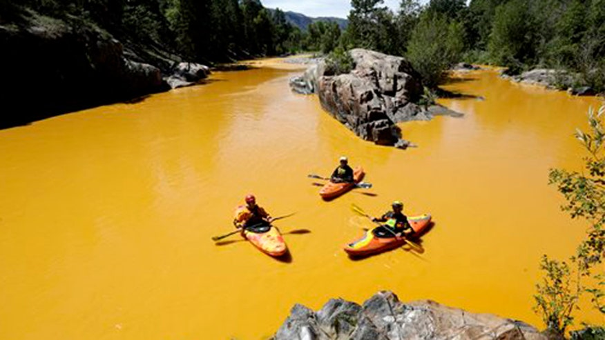 Toxins from spill flow from Colorado through New Mexico and toward Utah