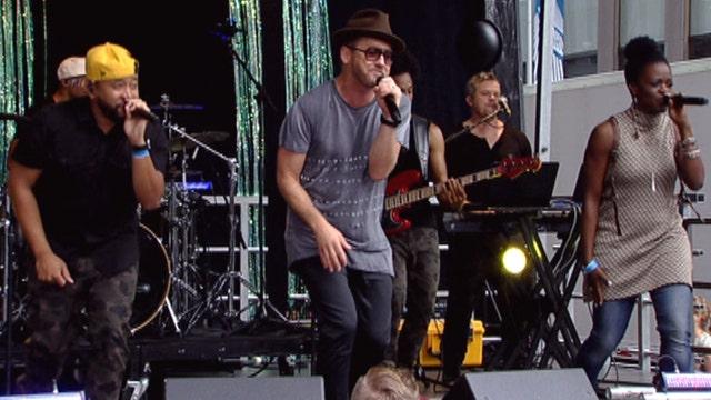 TobyMac performs 'Feel It'