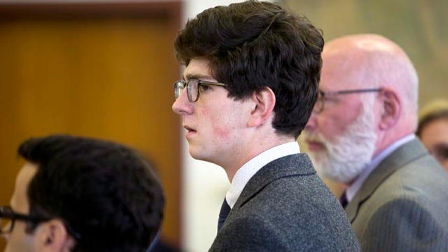 Judge Alex Ferrer reacts to split decision