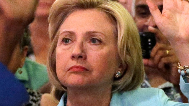 New lawsuit filed to reveal content of 2 Clinton emails