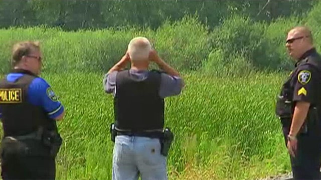 Lake County detective on manhunt for shooting suspects