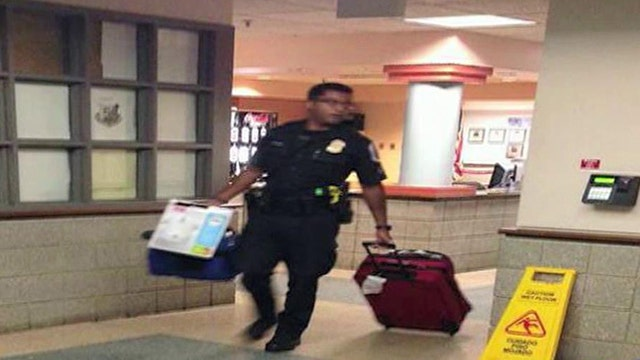Cop pays hotel for homeless mother and daughter