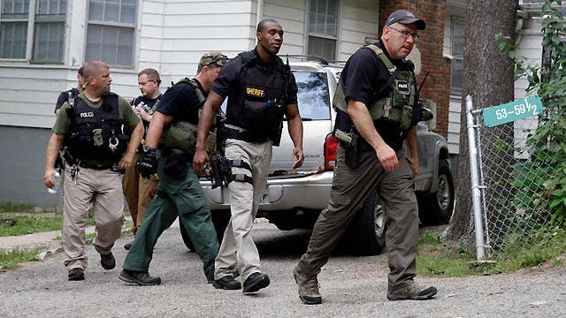Inside the manhunt for 3 suspects in Illinois cop's killing