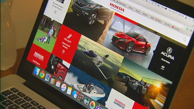Shoppers turn to the Internet to buy a car