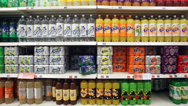 NY lawmaker wants to ban sale of large sodas to minors