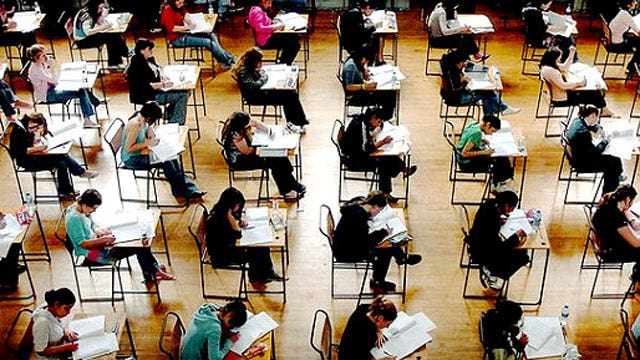 Report: SAT scores sink to 10-year low