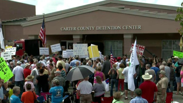 Kentucky clerk who denied gay marriage licenses released from jail