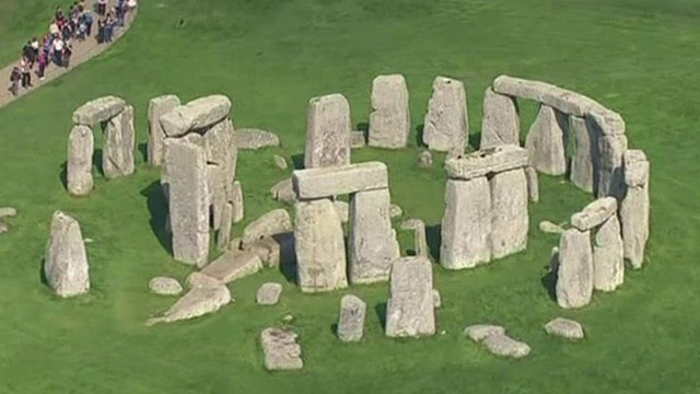 Researchers say they've discovered new 'superhenge' near Stonehenge site