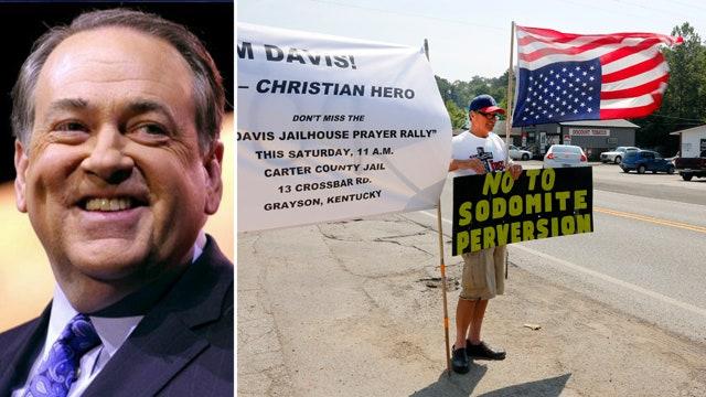 Mike Huckabee to attend Kim Davis rally