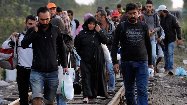 White House shifts position on Europe's refugee crisis