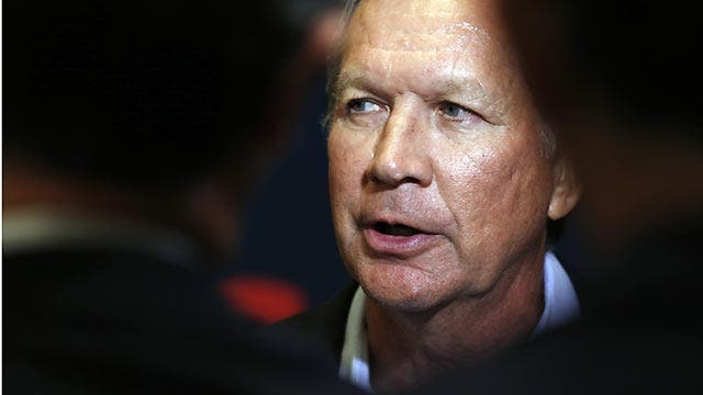 Gov. Kasich reacts to Clinton's apology, clerk's release
