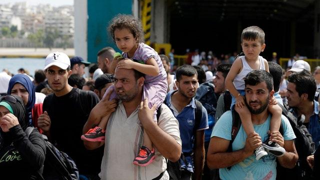 GOP candidates 'oversimplifying' worldwide refugee crisis?