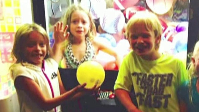 Texas girl gets stuck in claw toy machine