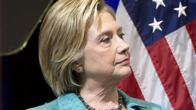 Is Clinton's campaign crumbling under political pressure?