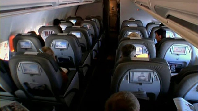 Consumer group rallying for standard airplane seat size