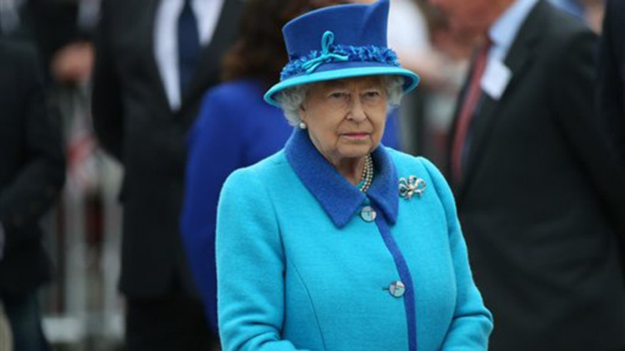 Greta's 'Off the Record' comment to 'On the Record' viewers, 9/11/15: After 9/11, Queen Elizabeth stood by our grieving nation and directed that our national anthem be played at Buckingham Palace.