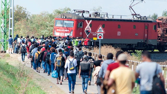 How should US respond to Europe's refugee crisis?
