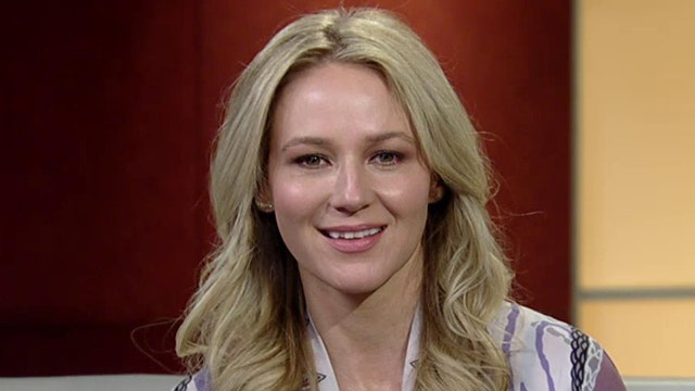 Jewel talks yoga pants, sexual harassment and new music