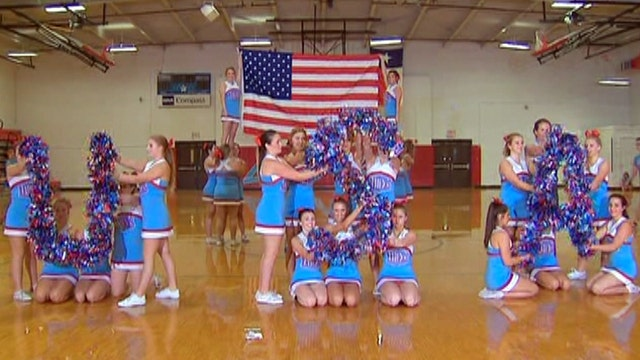 Cheer squad performs to sounds of 9/11 as tribute