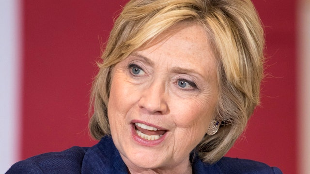 Clinton brushes off 29-point drop in support among women