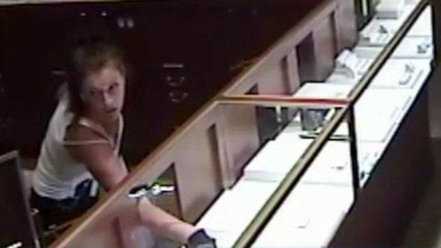 Armed female jewel thief pulls off brazen heist