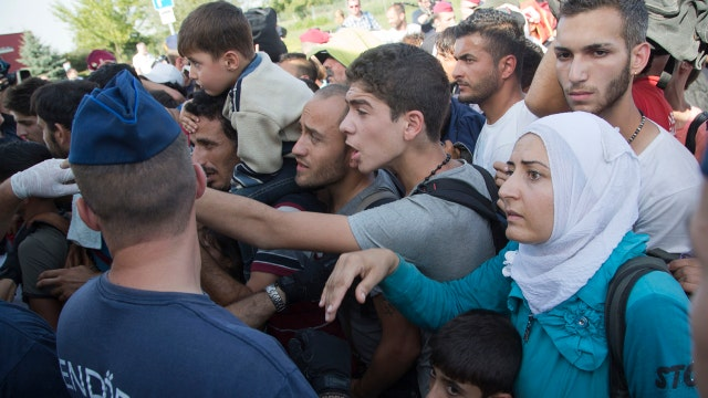 Croatia struggling to cope with flood of migrants