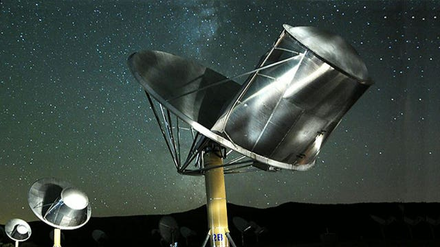 SETI scientist: Aliens might be trying to contact Earth