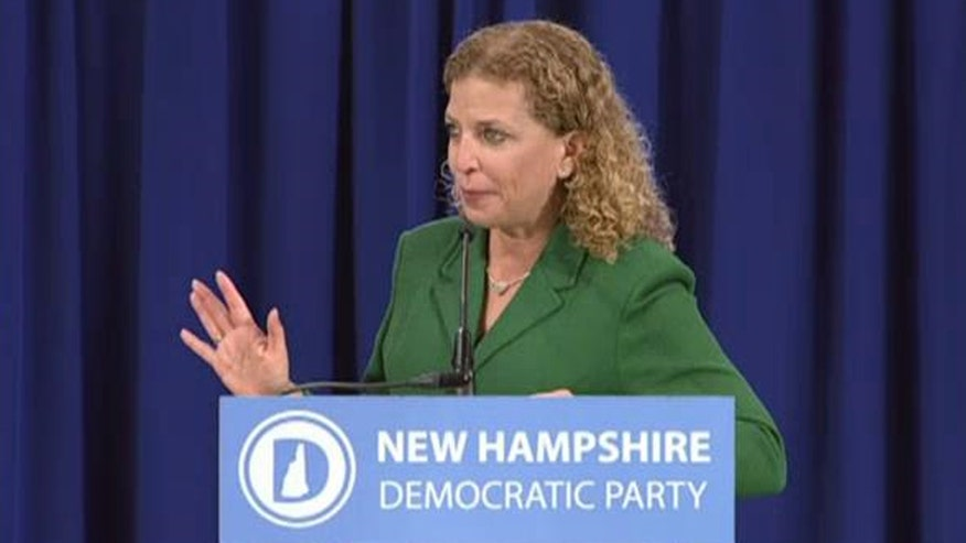 Crowd chants over DNC chair Debbie Wasserman Schultz during event in New Hampshire