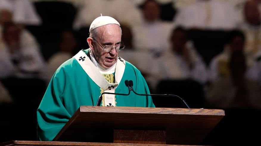 Pontiff gives homily at Madison Square Garden