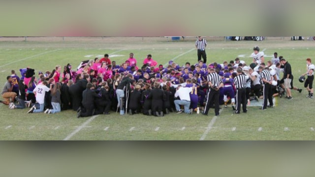 School officials defend students' right to pray in Arkansas