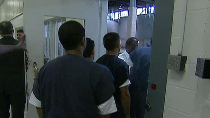 1,000 illegals released from jail per month due to law