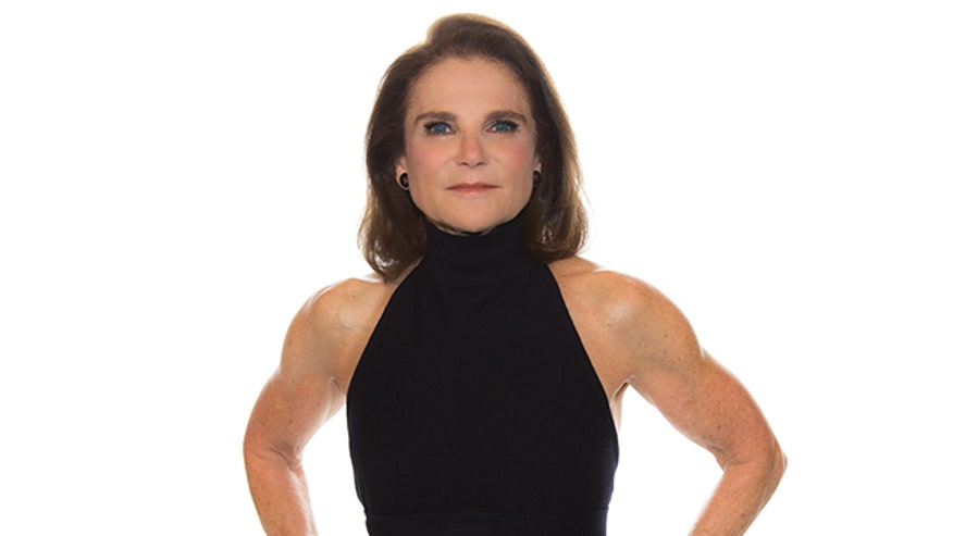 "Tovah Feldshuh, who plays Deanna Monroe on AMC's hit series ""The Walking Dead,"" tells FNM how she gets into character."