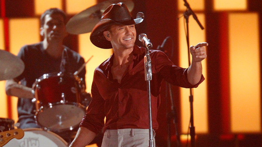 Country star Tim McGraw talks about his new studio album, which includes a duet with his daughter and that's our featured song.  A new country music show coming in December and the Country Music Hall of Fame welcomes new members.
