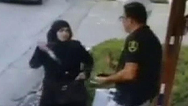 Palestinian woman attacks Israeli guards with knife