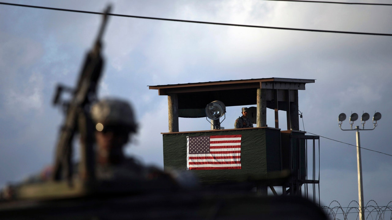 Congress votes to ban transfer of Guantanamo detainees to US