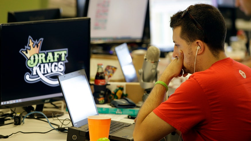 New York Attorney General Eric Schneiderman tells fantasy sports sites to stop accepting bets in the state