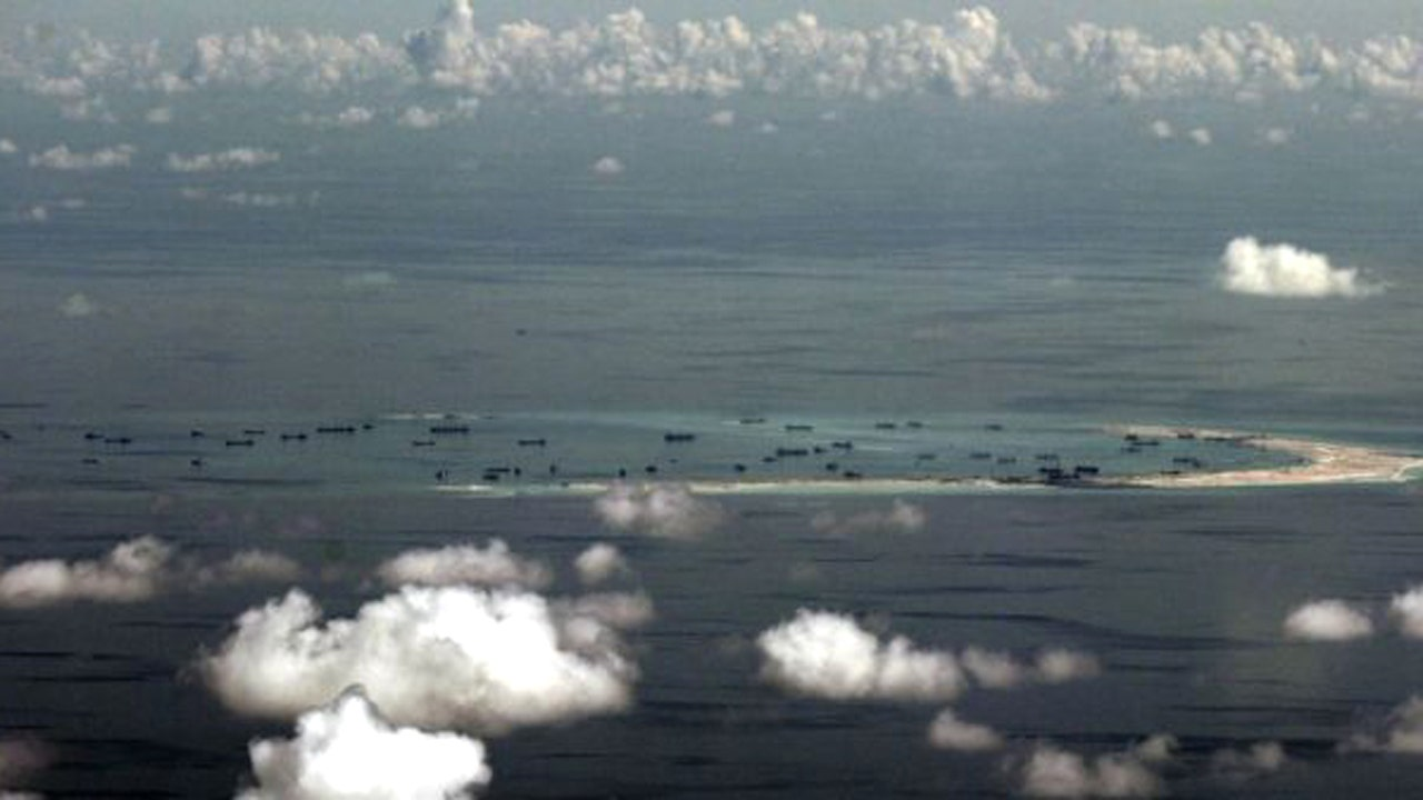 US B-52 bombers fly near Chinese man-made islands in South China Sea